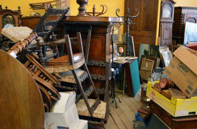 Alte Möbel Flohmarkt Trödelmarkt Lyon