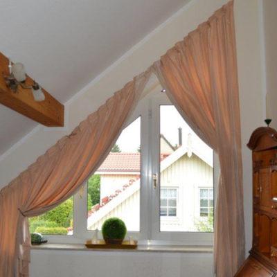 Fertigung individueller Gardinen für Dachschräge