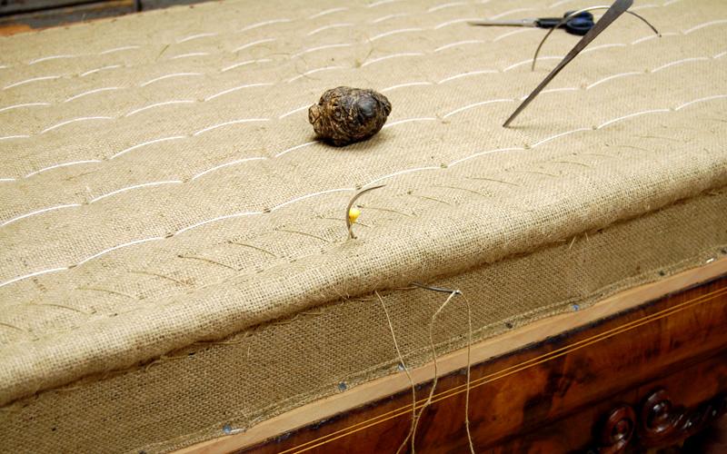 Polster Restaurierung Biedermeier Sofa Schritt 4