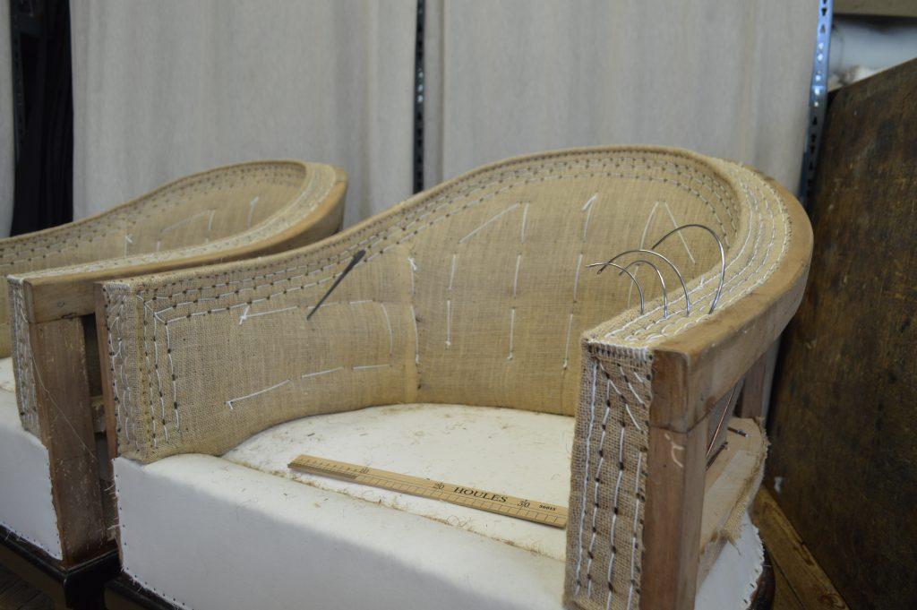 Sessel Ruhlmann, runde Sitzform, exakt gearbeitete Facon