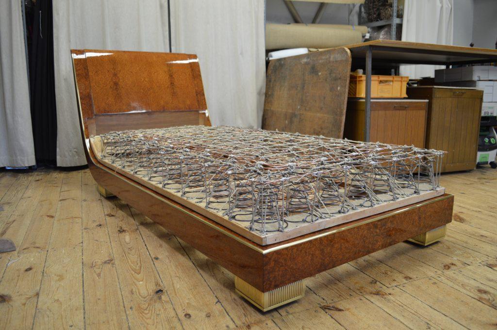 Tagesbett, Massiv, geschnürt, edles Furnier aus Mammutbaum